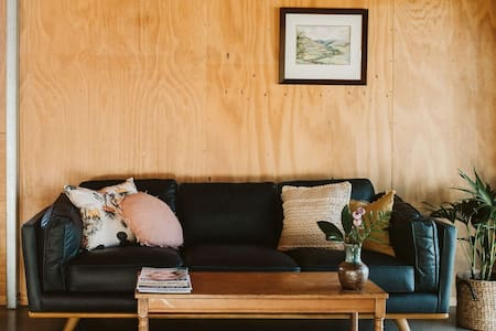 Studio Retreat on Ahus, Oakura