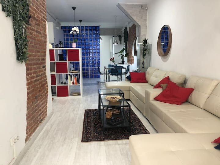 Luxury loft new and fully furnished, top amenities