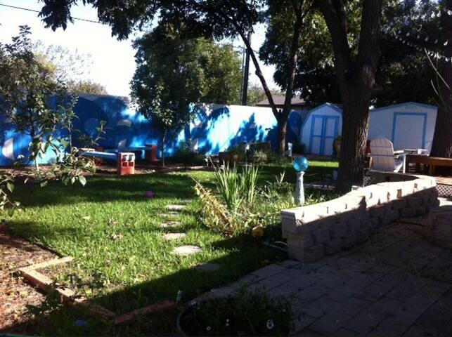 Ravenshire-LLC Retreat -- Mi Casa es tu Casa - Abilene - Huis