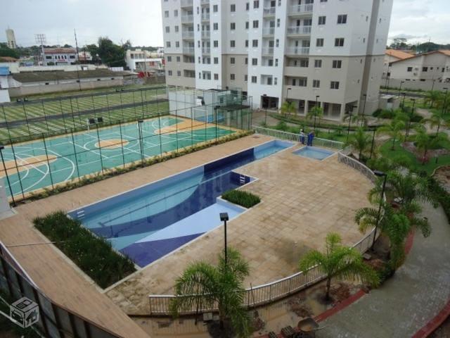 Apartamento inteiro em condom fechado com piscina.