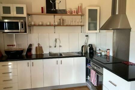 Shea-Oak Log Vineyard Studio Shed - Allentown - Huis
