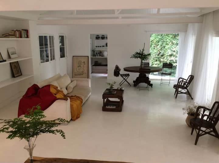 CASA BRANCA-UM LUGAR SECRETO NO RIO DE JANEIRO