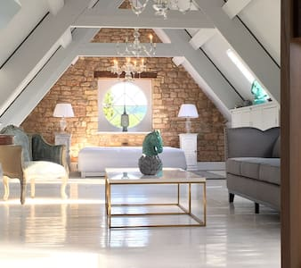 The Farmhouse Loft - Cheltenham