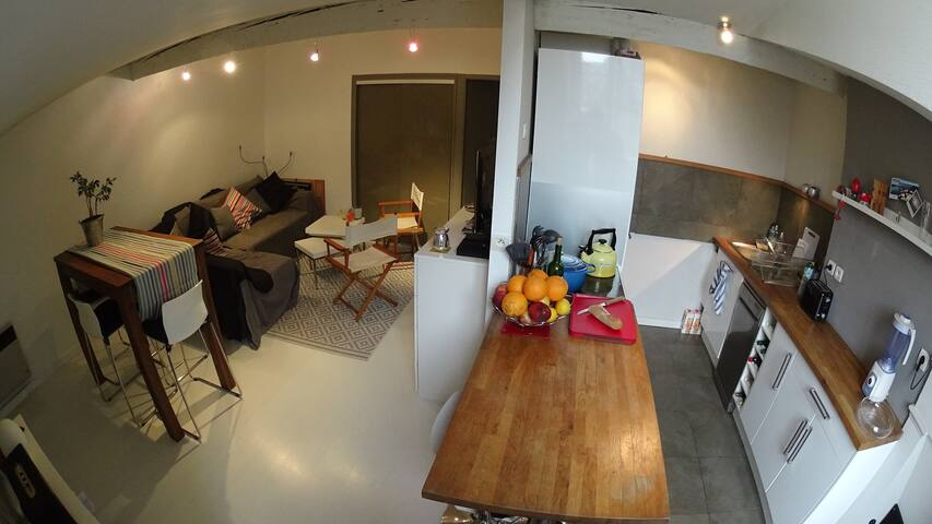 Cosy bedroom in historic center - Bordeaux - Appartement