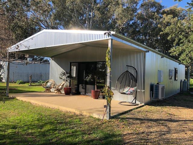 Oak Lane Guest House & Farm Stay