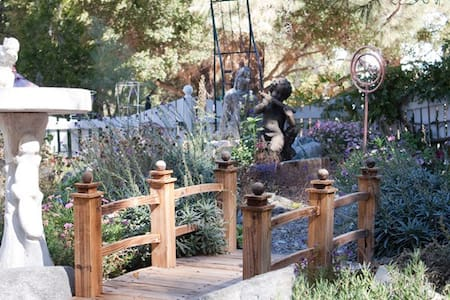 Relaxing Mountain Wellness Escape - Wrightwood - Bed & Breakfast