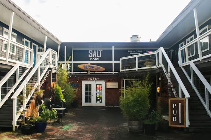 Salt Hotel & Pub: elemental hospitality - Ilwaco - Bed & Breakfast