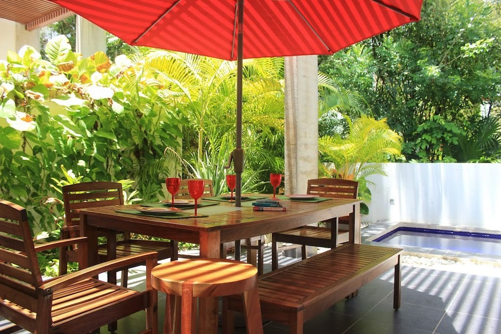 Have a lovely lunch or dinner in the privacy of the Villa's patio.