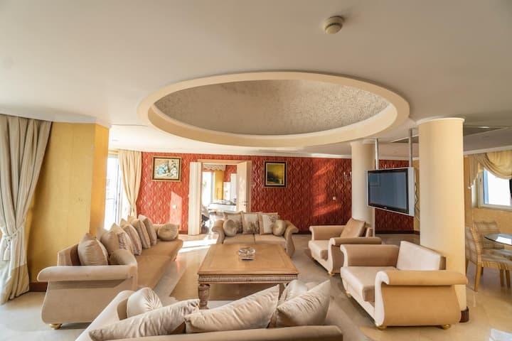 Maira Hotel Kral Dairesi