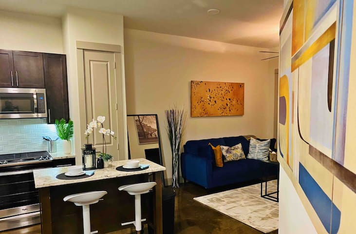 Luxury 1 BR Galleria Apartment in Uptown Houston