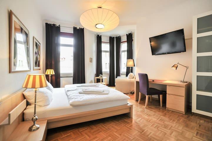 Stilvoll im Westen - Estugarda - Apartamento