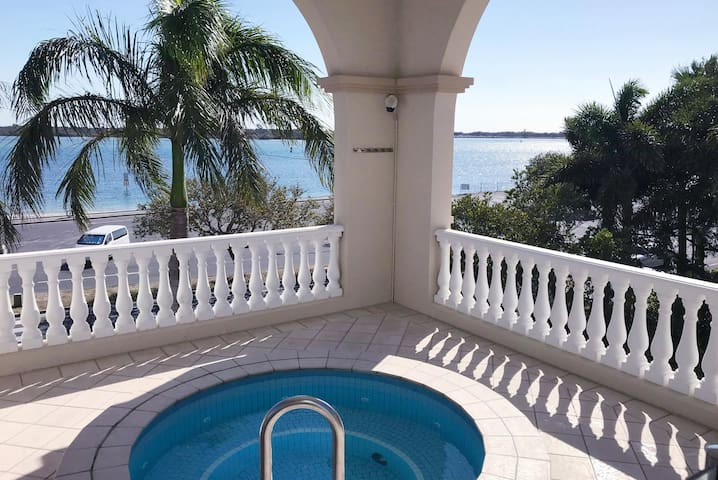 Affordable Luxury Apartment with Stunning SeaViews