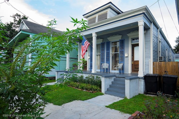 Charming Mid City home close to Everything!