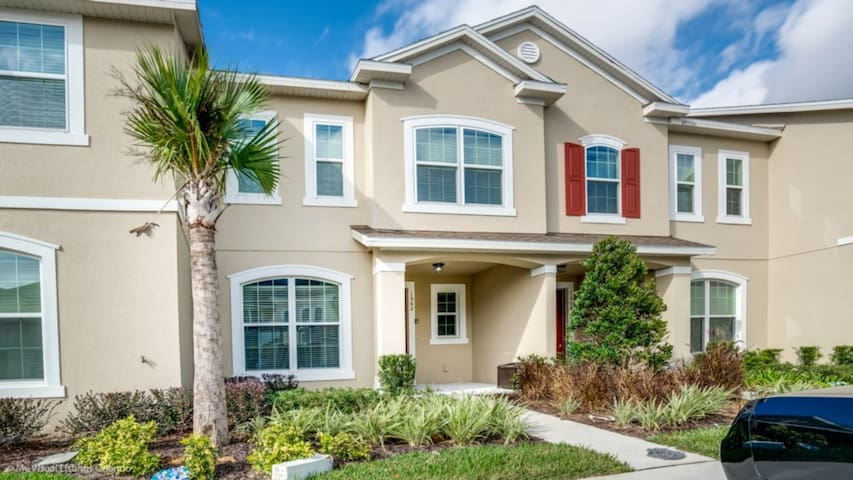 5 Star Townhome on Solara Resort with First Class Amenities, Orlando Townhome 3114