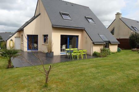 Maison lumineuse au calme - Saint-Renan