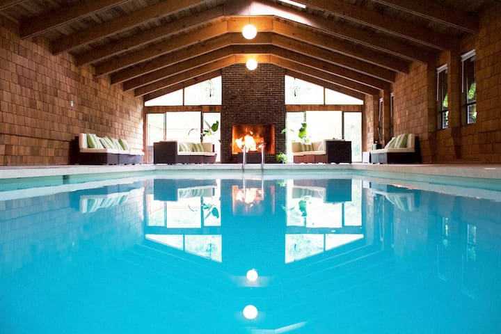 Indoor Private Pool Retreat - Ravensdale - Huis