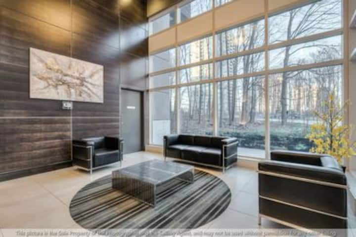 Luxurious Condo in the Heart of Scarborough