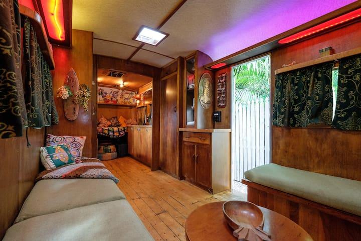 Elegant fully restored 25ft 1950's Vintage Caravan