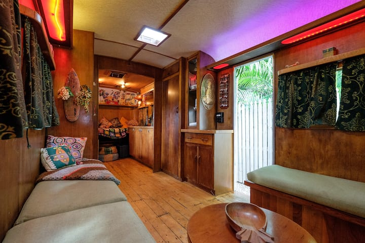 Elegant fully restored 25ft 1950's Vintage Caravan