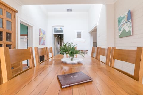 Rose by the Sea Beach Stay, Adelaide, sleeps 8+ .