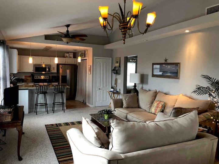 Spacious, quiet, clean, beach apartment!