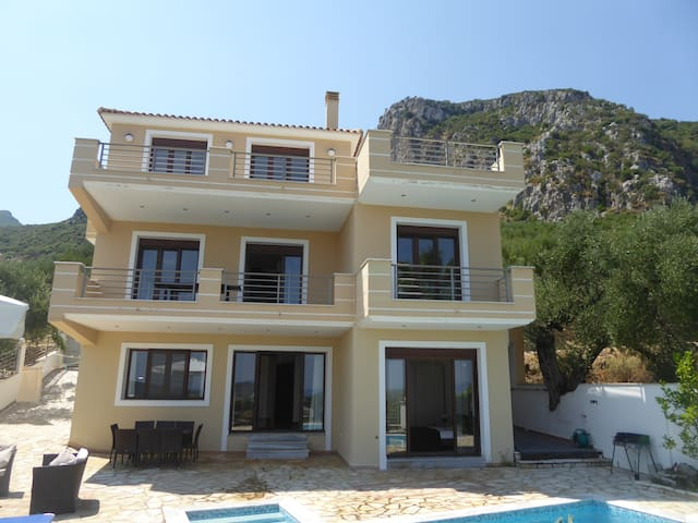 Villa with Breathtaking Sea View - Alykes - House