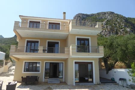Villa with Breathtaking Sea View - Alykes