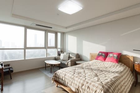 ★Posh&Cozy/ICN 30mins/Entire place★ - Yeonsu-gu - 公寓
