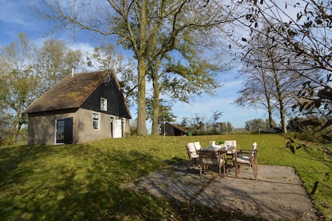 Picturesque Holiday Home in Drimmelen with Garden