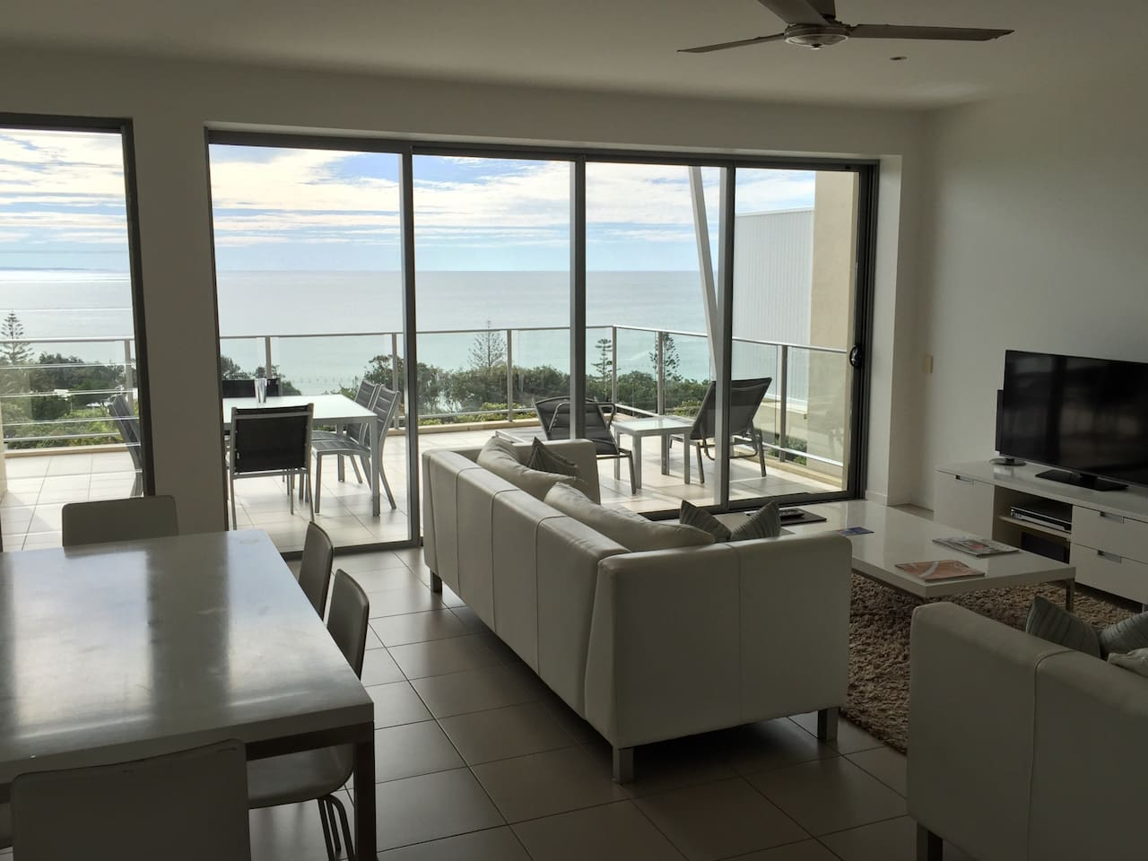 North facing with extensive views of the ocean, surf beach & Fraser Island