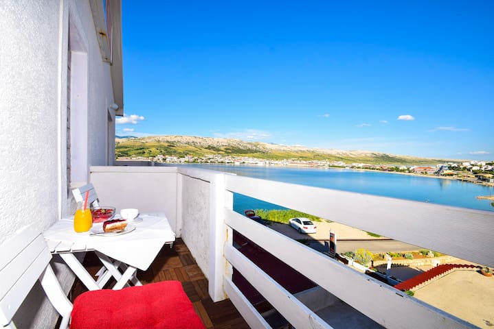 Revelin Guest House, Pag - Sea View - Паг - Гестхаус