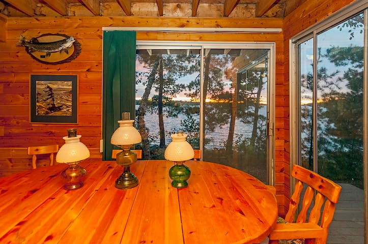 Remote Wilderness Island with Comfy Fishing Cabin - Kenora - Island