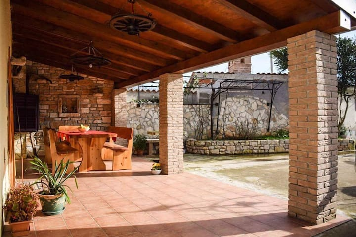Rustic Istrian house - Varesco - Krnica - House
