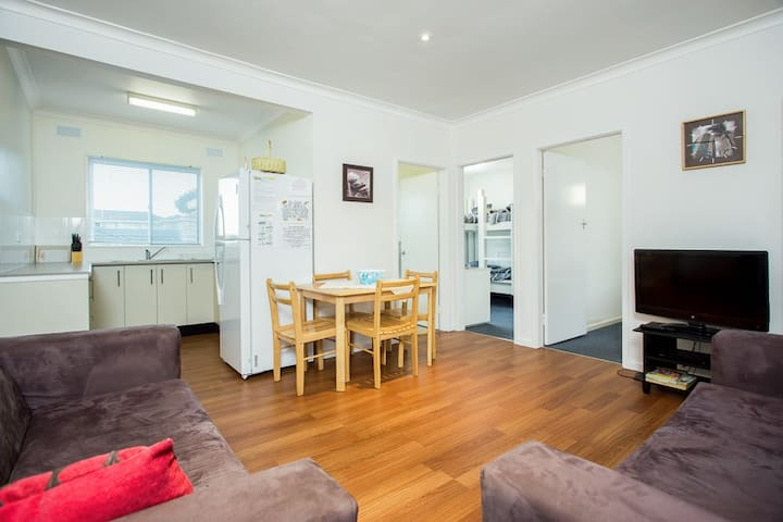 Budget two-bedroom unit in the heart of Forster.