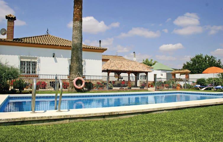 Dehesa las Yeguas - Benalup-Casas Viejas - Huis