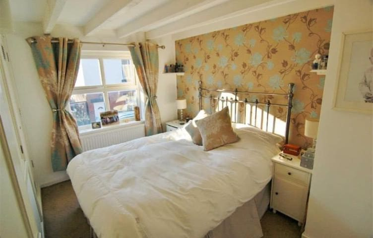 Lockable double room in Congleton, Cheshire