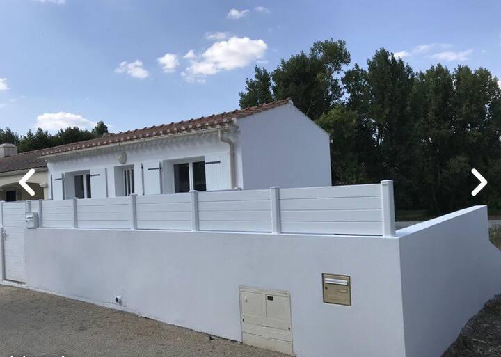 Petite maison 400m plage