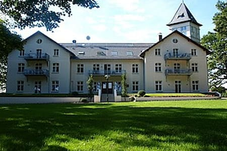 Jagdschloss zu Hohen Niendorf, Wohnung 15 - Bastorf - Slott