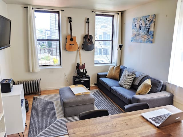 Cozy Room in Williamsburg! 3 subways nearby!