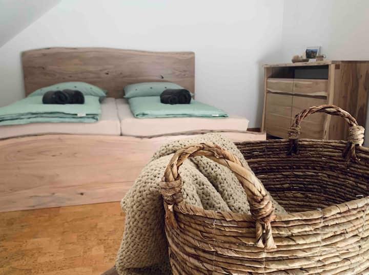 Stilvolles Doppelzimmer (Basel & Vitra)