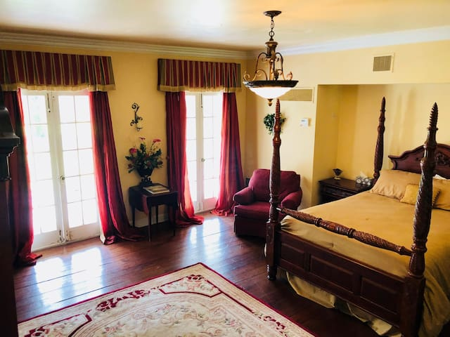 Ormond Plantation Bed and Breakfast-Pineapple Room