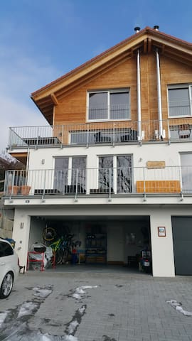 Beautiful, Quite, New! Own Bathroom and Parking :) - Unterengstringen - Talo