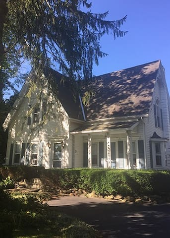 4BR brookside home, c. 1882, near Cooperstown, NY - Laurens - Maison
