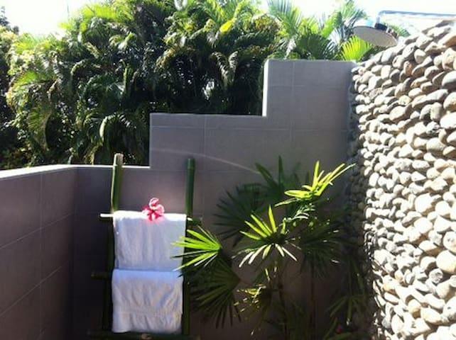 Outdoor shower for master bedroom