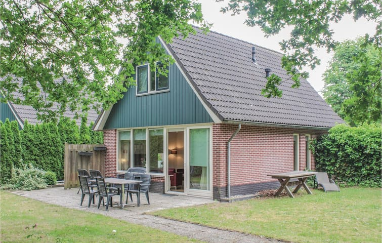 Holiday cottage with 3 bedrooms on 90m² in Winterswijk
