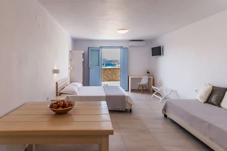 Hotel ippocampos - Plaka - บ้าน