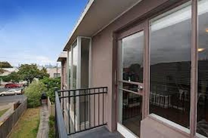 A place to call home - Footscray - Apartamento