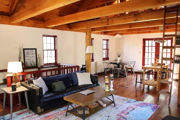 Cozy Hudson Valley Cabin, Fully Stocked w/ Wifi