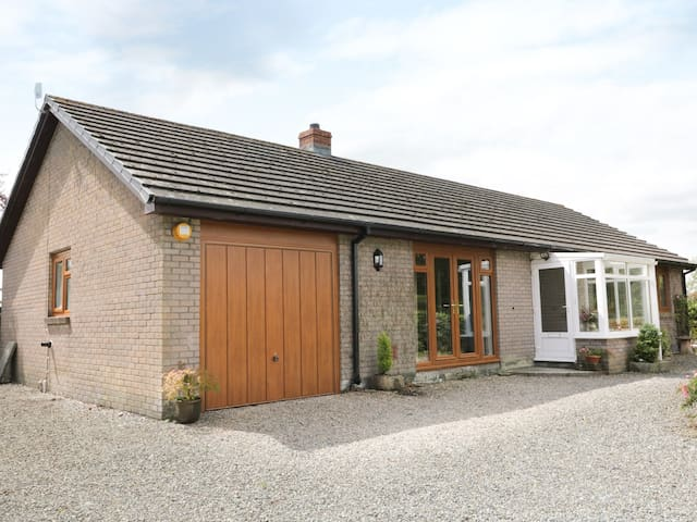 YR HEN FFALD, family friendly in Pontarddulais, Ref 965723