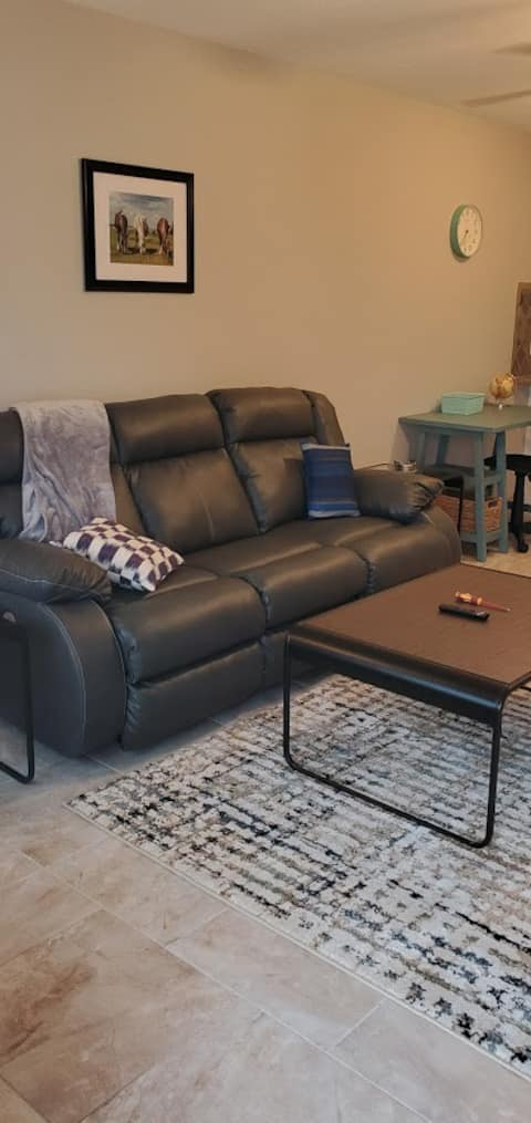 (502) Magnolia Place:Newly renovated extended stay